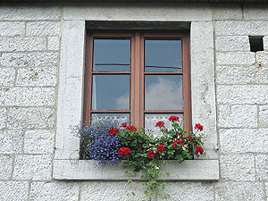 Learn how to repair your own windows this coming Saturday at the Somerville Museum.